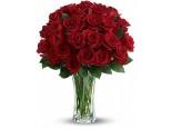 Vörös rózsa vázával